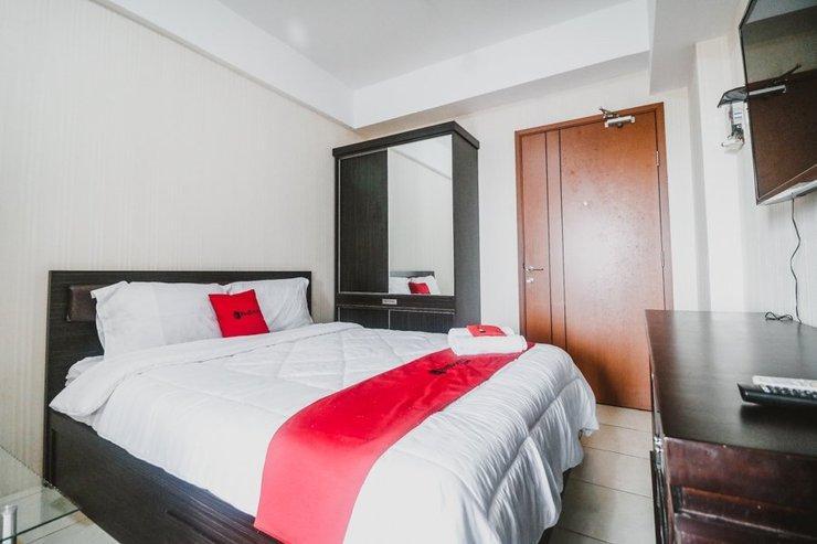 RedDoorz Apartement @ Green Lake View Ciputat Tangerang Selatan - Guestroom