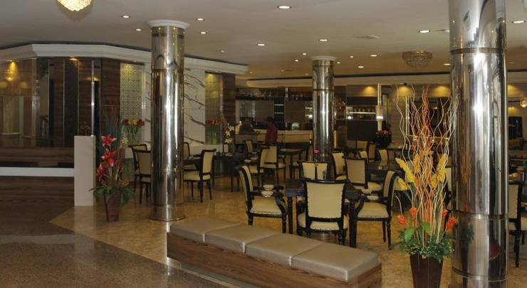 Hotel Yasmin Makassar - Lobi