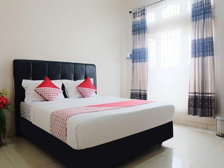 OYO 1426 Assyifa Hotel Bungo - Bedroom