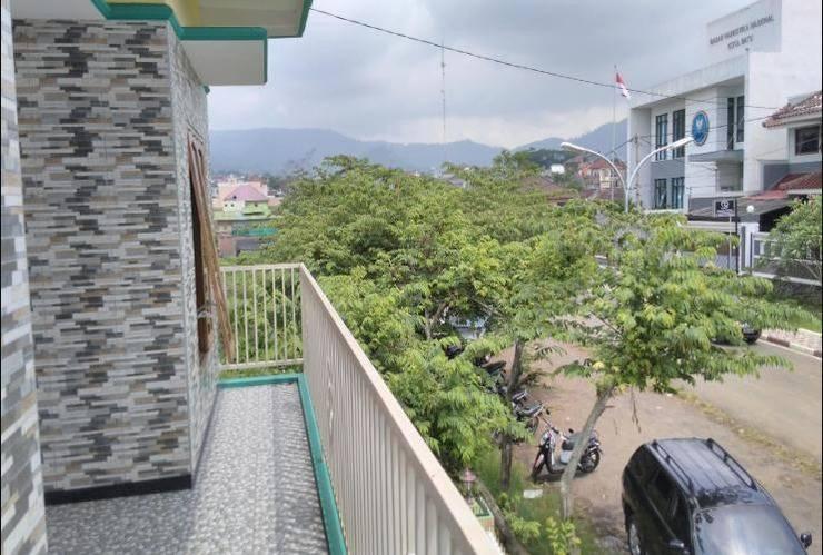 Fariz Villa Malang - Tampak Depan