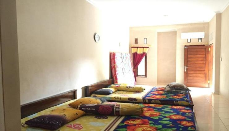 Rivana Homestay Pangandaran - Bedroom