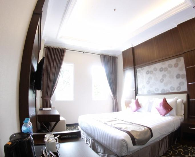 Adhiwangsa Hotel Solo - Superior King Bed