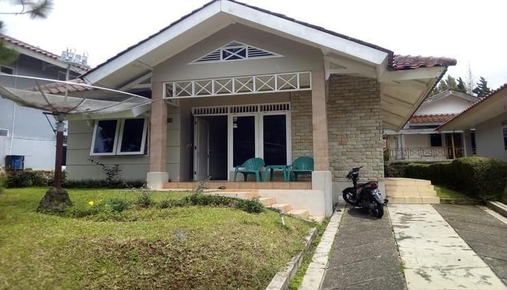 Santibi's Villa Kota Bunga Melati C Cianjur - Facade