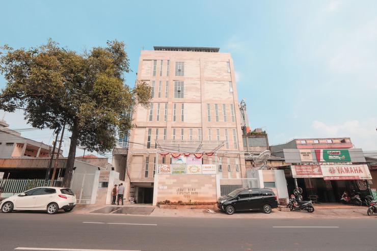 OYO 246 Koen Panorama Jakarta - Facade