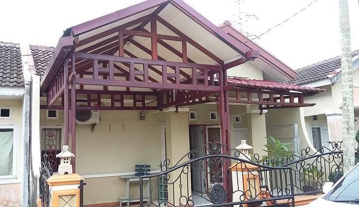 Amplas Guest House Medan Deli Serdang - Exterior