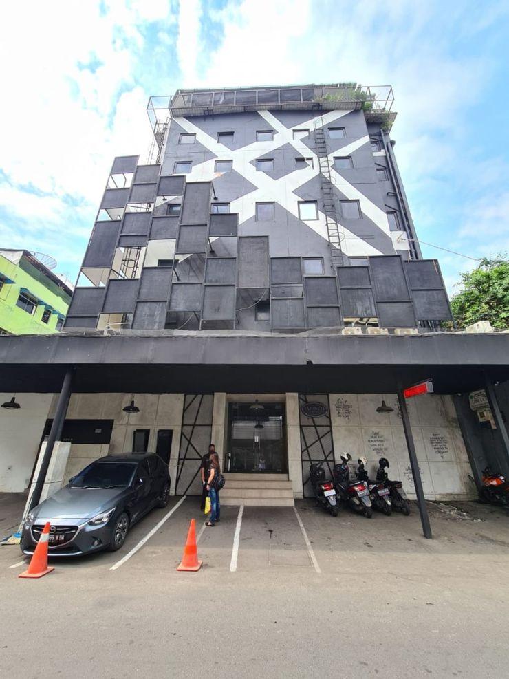 Infiniti Hotel Jakarta - Facade