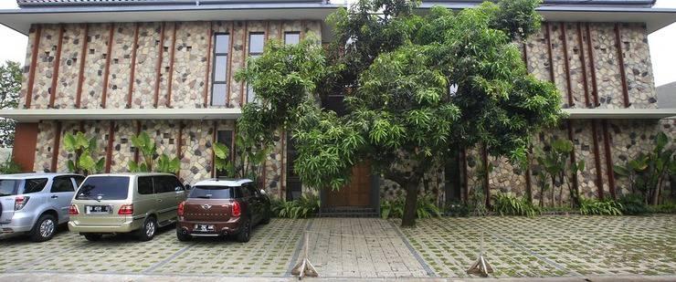 RedDoorz Plus @Gandaria City Jakarta - Eksterior
