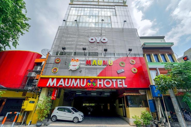 OYO 235 Maumu Hotel & Lounge Surabaya - Facade