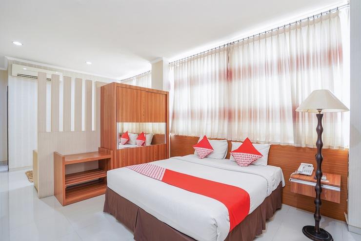 OYO 235 Maumu Hotel & Lounge Surabaya - Bedroom