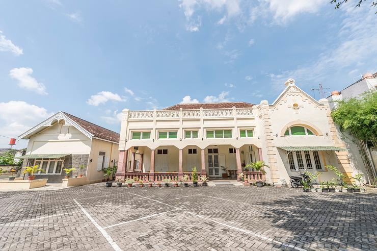 Airy Eco Semarang Timur Bangkong MT Haryono 854 - Hotel Building