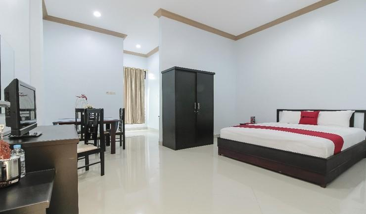 RedDoorz Plus near Mega Town Square Palangka Raya - Guestroom