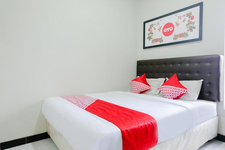 OYO 528 Safa Guest House Malang - Bedroom