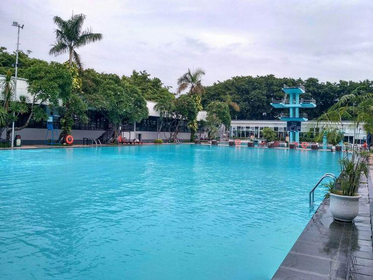 Graha Residen Surabaya - Pool