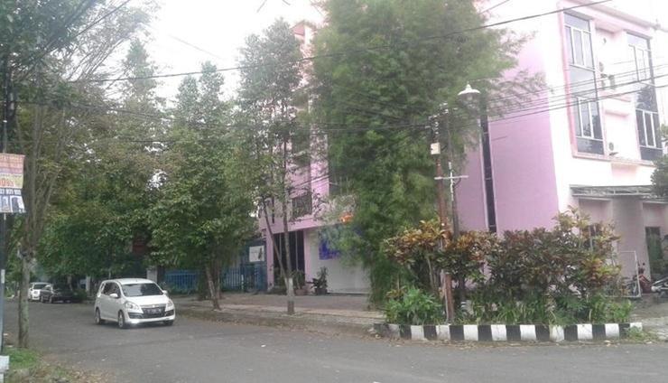 Ning ED Hotel Malang - Facade