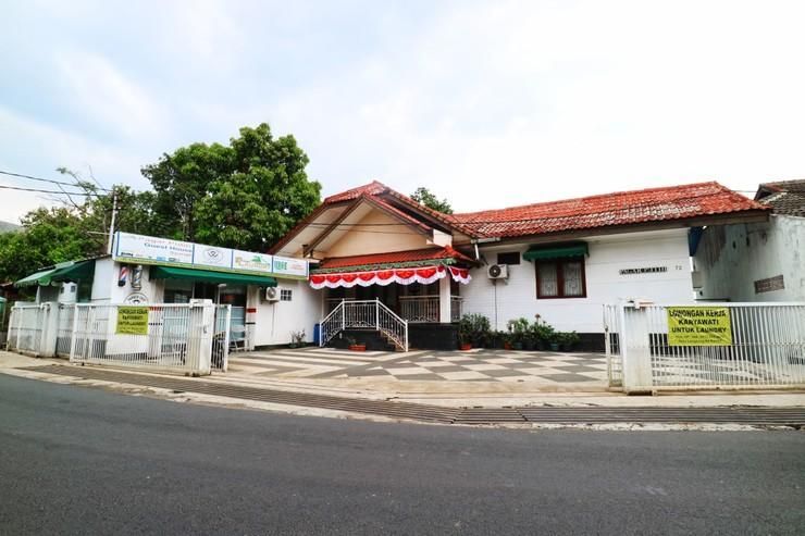 Pagar Putih Guest House Syariah Bandung - Exterior