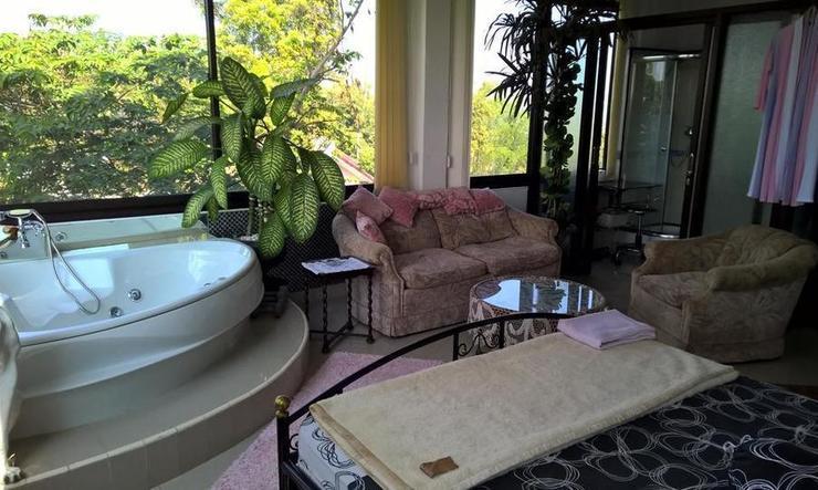 Villa Bella Malang - Deluxe Bathtub