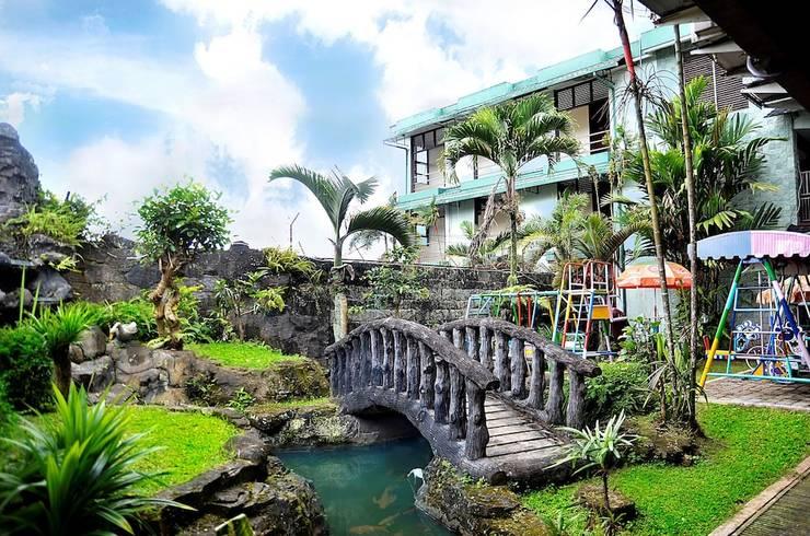Hotel Permata Hijau Sukabumi - Porch