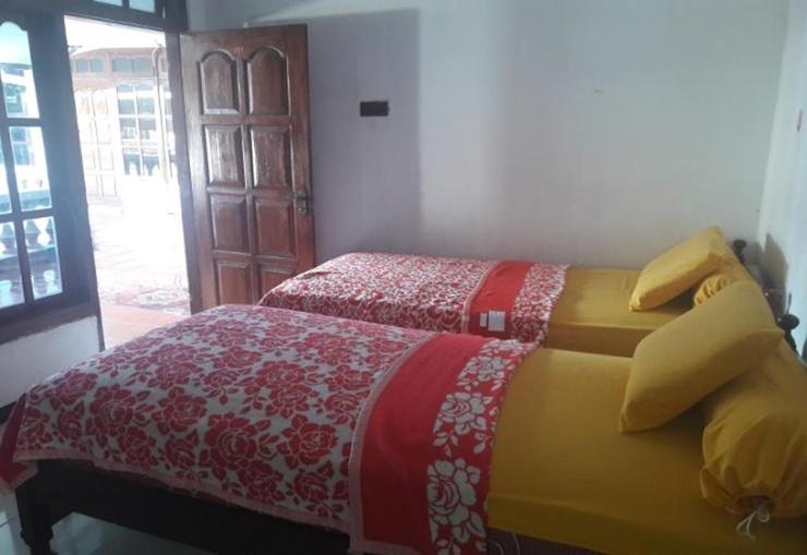 Hotel Muslim Kediri - Room