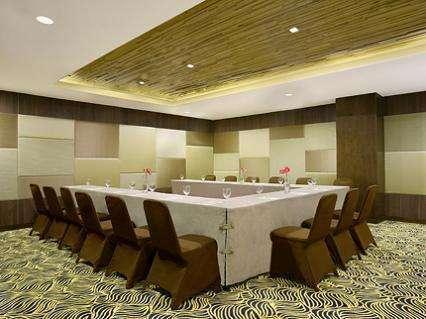 Santika  Pandegiling - Ruang Pertemuan