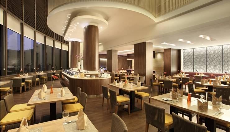 Santika  Pandegiling - Restaurant