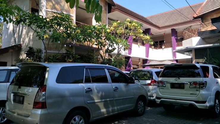 Dpavilion Guest House & Resto Malang Malang - Area Parkir