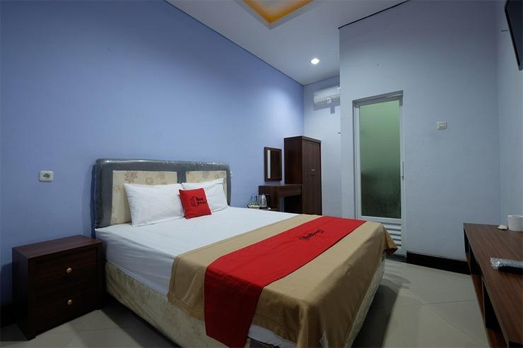 RedDoorz near Universitas Semarang Semarang - Guestroom