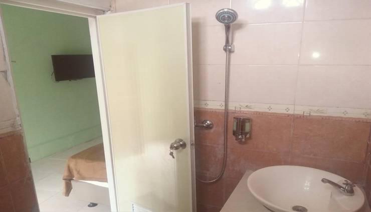 Al Thalib Menteng Syariah Jakarta - Bathroom
