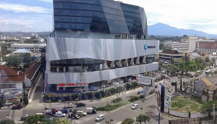 Po Hotel ( FKA Crowne Plaza Semarang ) Semarang - Exterior