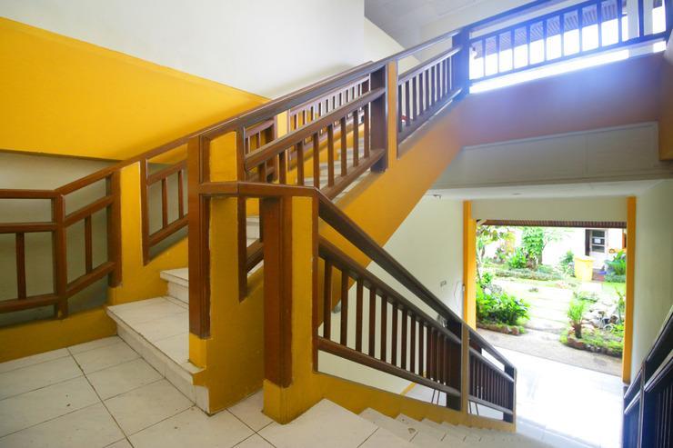 Airy Mataram Barat Caturwarga 29 Lombok - Stairs