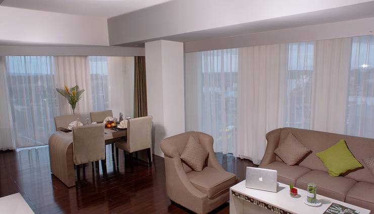 Platinum Adisucipto Hotel & Conference Center Yogyakarta Jogja - Platinum Suite