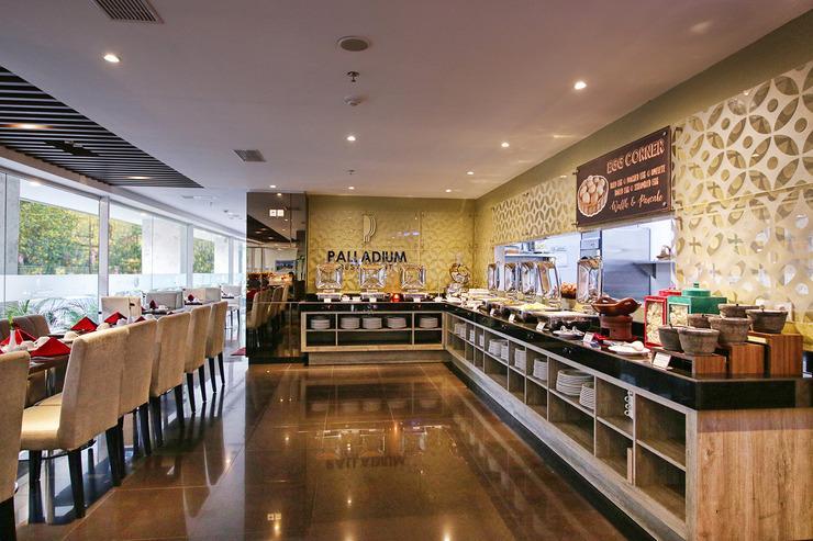 Platinum Adisucipto Hotel & Conference Center Yogyakarta Jogja - Restaurant