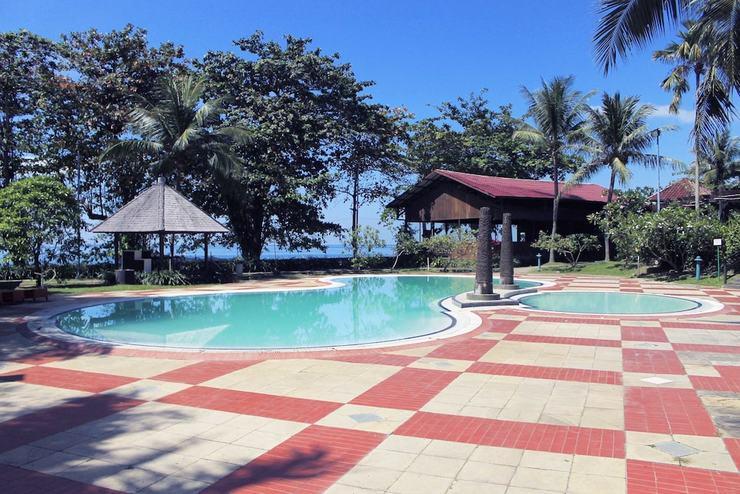 Le Grandeur Balikpapan - Outdoor Pool