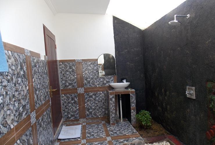 The Radenz Village Bungalow Lombok - Interior
