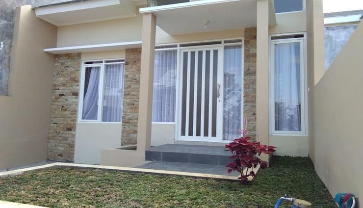 Villa Tanjung 20 Malang - Exterior