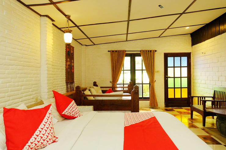 OYO 604 Cemara's Homestay Malang - Bedroom