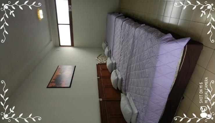 Villa Enggal Lembang Bandung - Bedroom