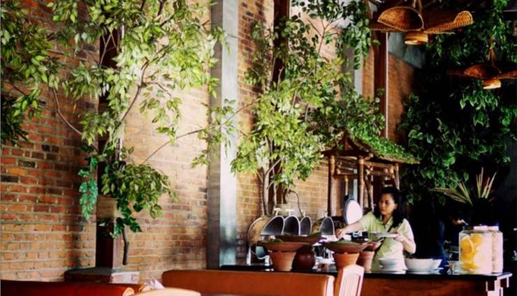 Bukit Daun Hotel and Resort Kediri - Sarapan