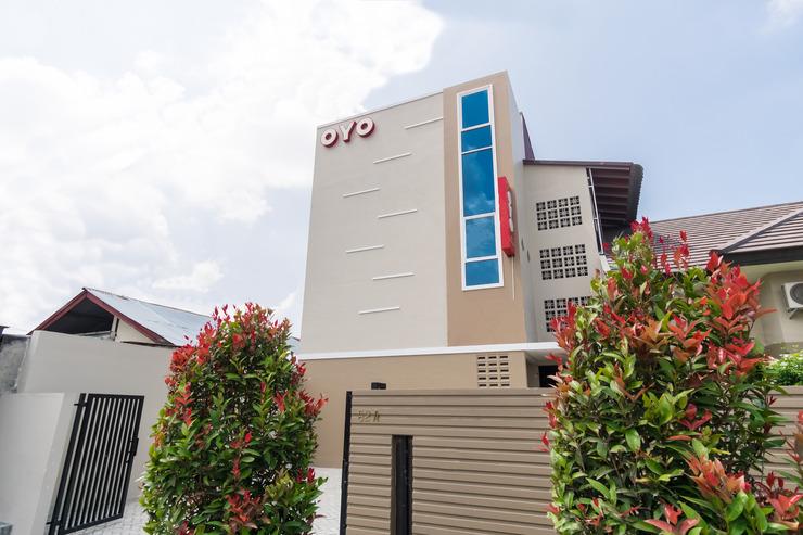 OYO 597 Joyce Guest House Medan - Facade