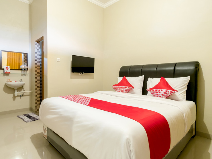 OYO 597 Joyce Guest House Medan - Bedroom SD