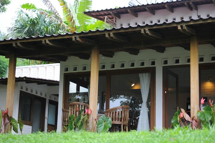 The Amandaru Villa And Glamping Puncak - Facade