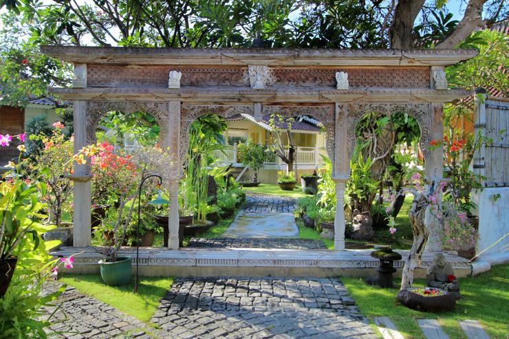 Hotel Puri Tempo Doeloe Bali - Garden