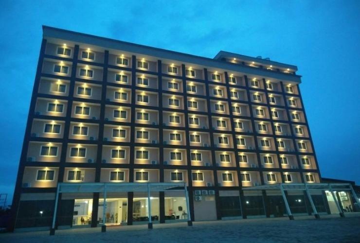 Makmur Hotel & Convention Center Berau - Exterior