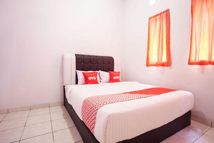 OYO 453 Rumah Idaman Bunda Medan - Bedroom