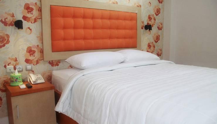 Niraz Guest House Banjarmasin - satu tempat tidur