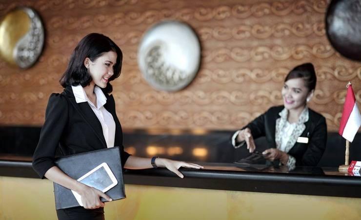 Premier Basko Hotel Padang - Reservasi