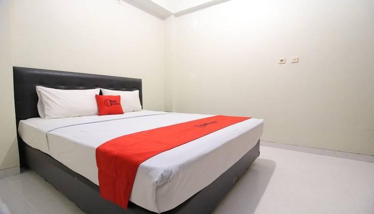 RedDoorz Plus near Universitas Negeri Yogyakarta Yogyakarta - Room