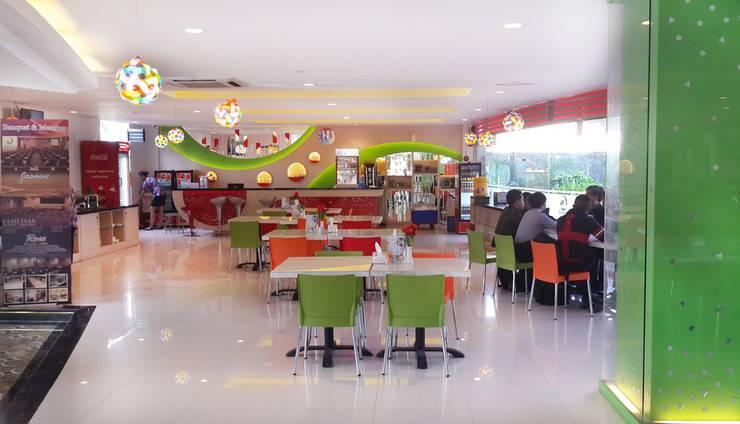 Dewarna Hotel  Bojonegoro - Restaurant
