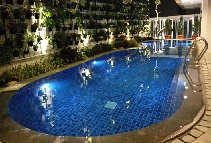 DBest Hotel Pasar Baru Bandung Bandung - Swimming Pool