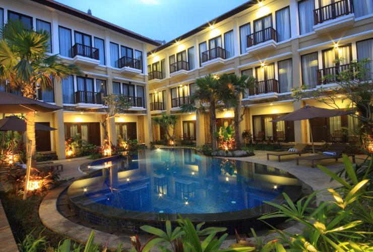Suris Boutique Hotel Kuta - Pool