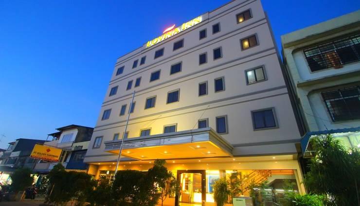 Lovina Inn Nagoya - Building